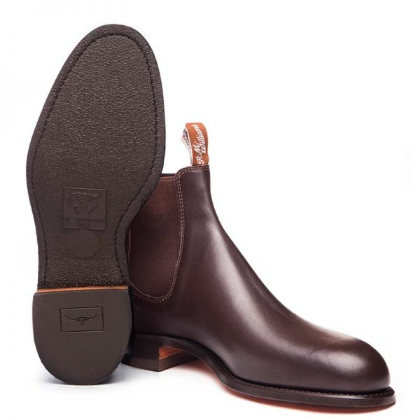 r-m-williams-comfort-turnout-boots-chestnut-sole-view