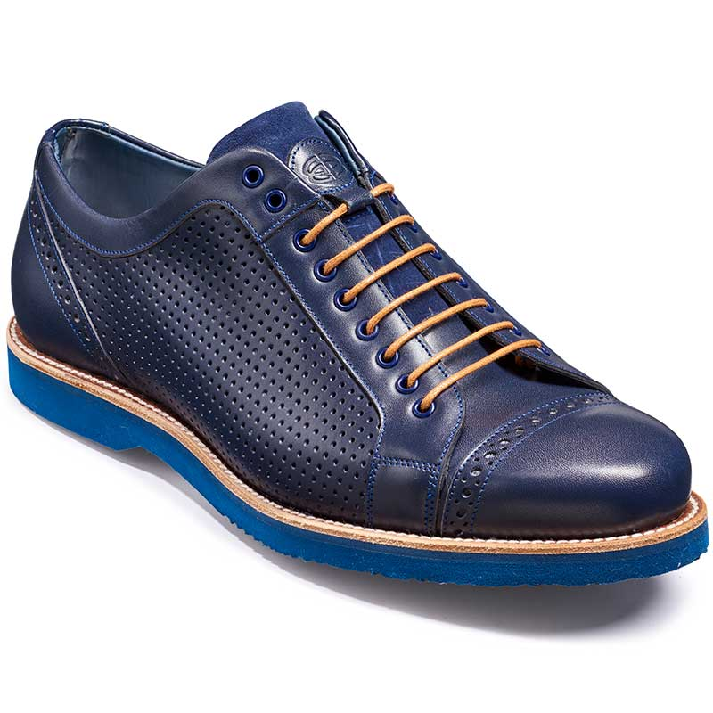This lightweight casual shoe features an aerated, mesh-like upper that's perfect for spring and summer days. Contrast stitching around the collar provides a unique finishing touch. There is double gore siding for easy on and off and a thick white outsole that delivers quintessential warm-climate style/5(40).