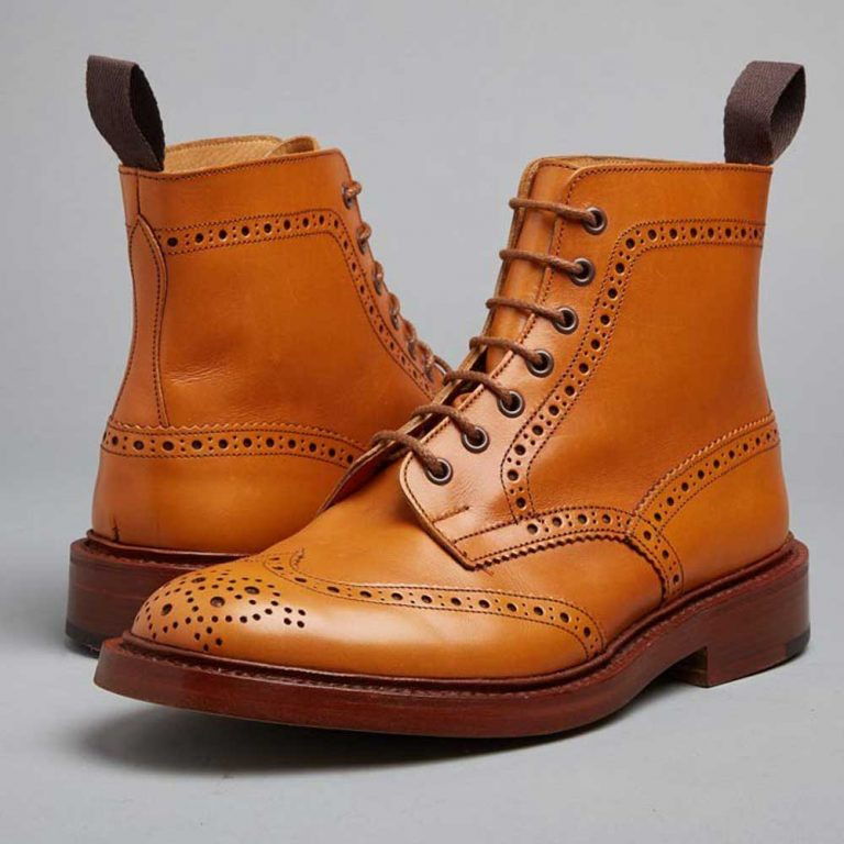 Tricker's Stow Country Boots - Dainite Sole Antique Acorn